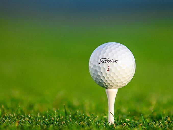 Elegir y comprar las pelotas de golf adecuadas