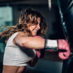 ¿Cómo hacer un entrenamiento de boxeo en casa?